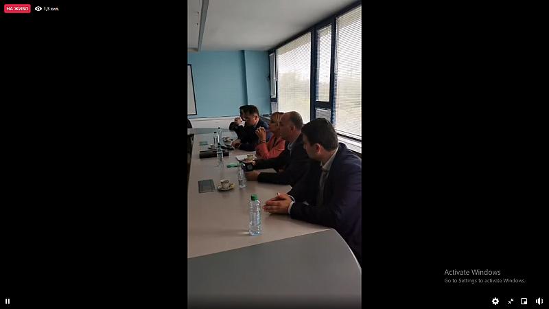 """Депутати са в """"Булгартрансгаз"""", за да търсят договорите за """"Балкански  поток. Теменужка Петкова им крещи: """"Това е фарс"""""""